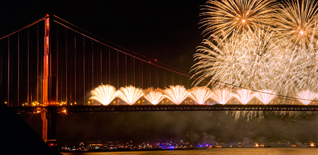Golden Gate Bridge fireworks by Mason Cummings